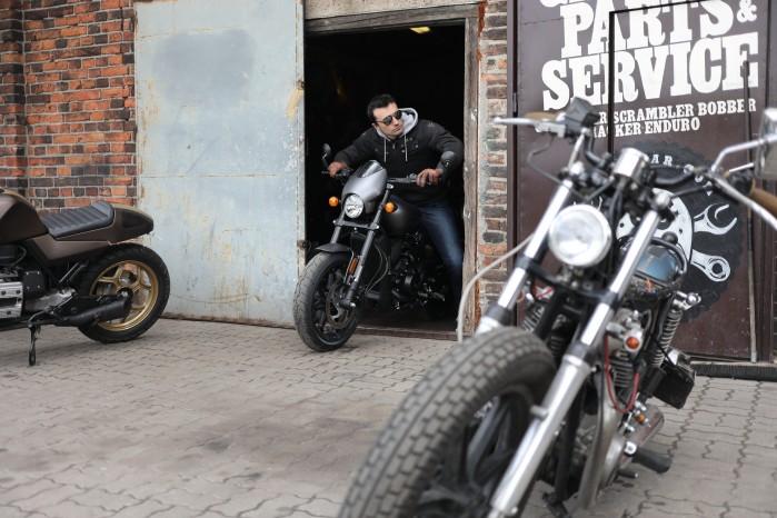 garaz motocyklowy