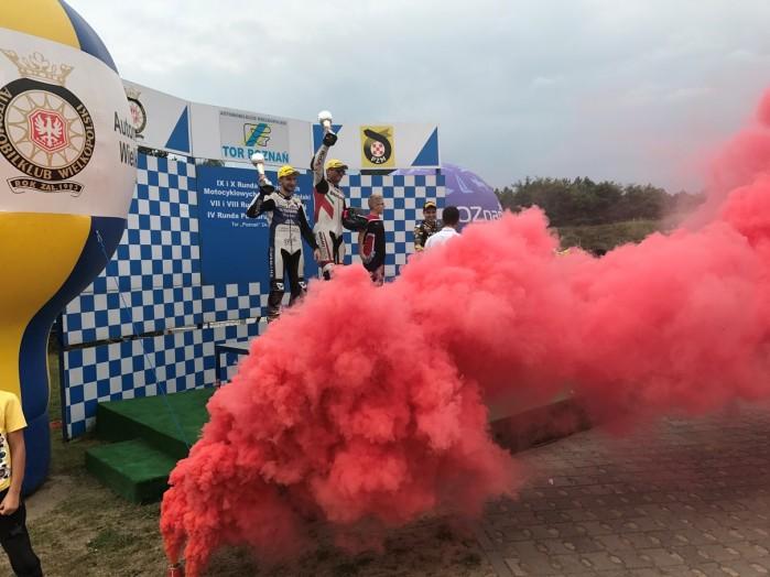 Zawodnicy Dunlopa zdominowali Motocyklowe Mistrzostwa Polski 3