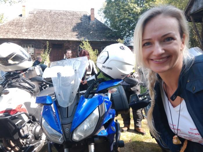 Przewodniczka Ania Jackowska i jej Tracer 700