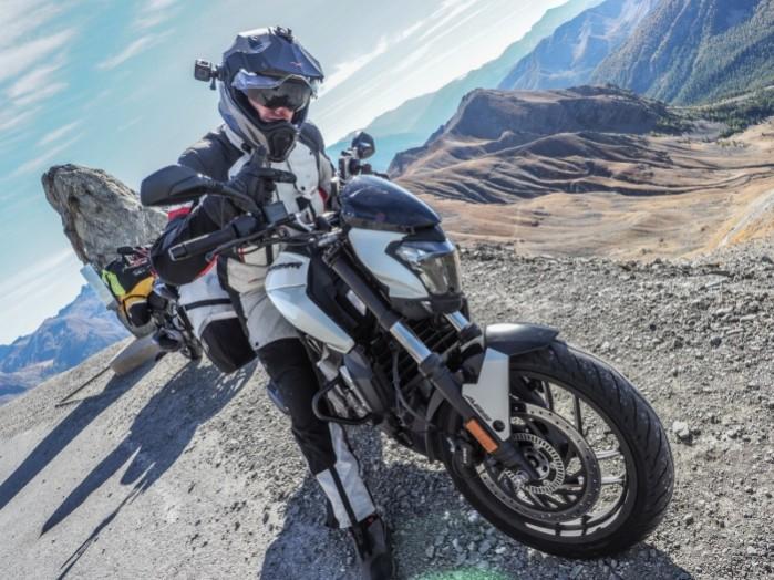 Bajaj Dominar 400 turystyka motocyklowa