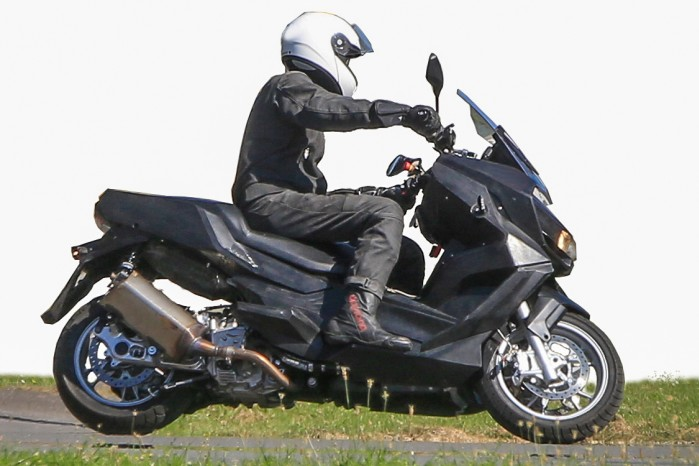 BMW Mid Size Scooter 004