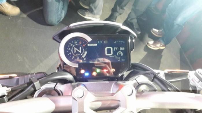 Honda CB1000R 2018 zegary