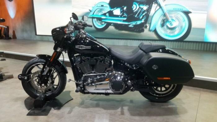 Harley Davidson Sport Glide 2018 Eicma