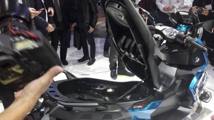BMW C 400 X 2018 schowek