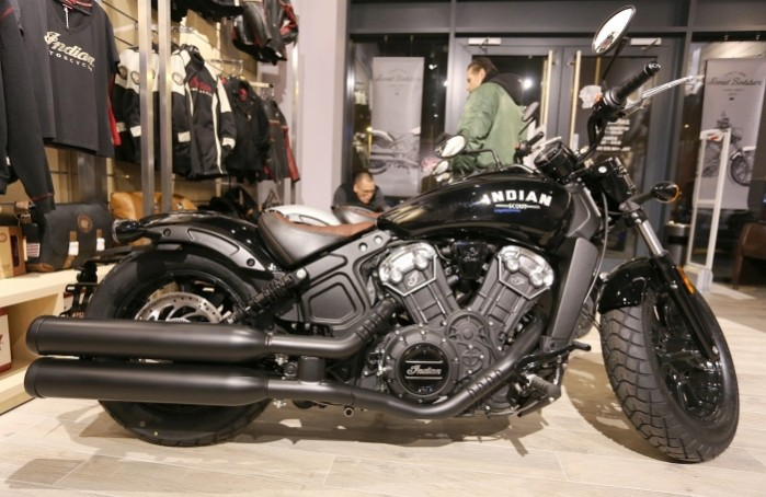 indian scout bobber 2018 black czarny