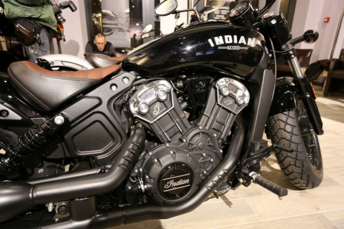 indian scout bobber 2018 silnik v2