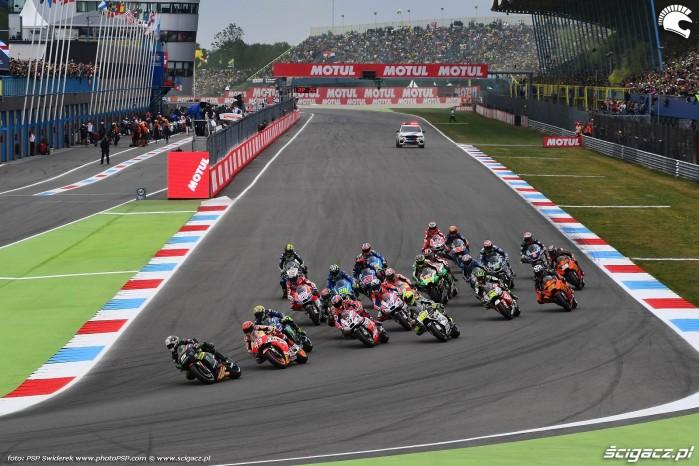 MotoGP Assen TT Motul Johann Zarco 5 Monster Tech3 Yamaha 32