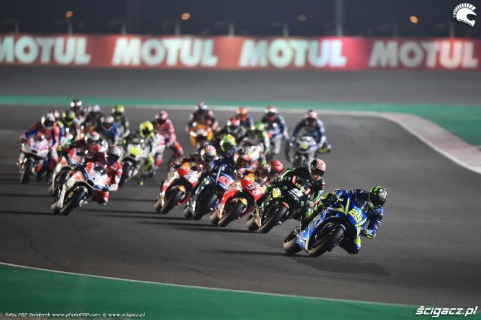 MotoGP Katar 2017 iannone 4