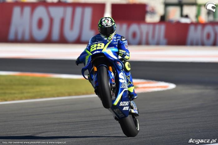 MotoGP Walencja 2017 29 Andrea Iannone Ecstar Suzuki 17