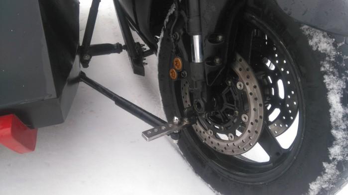 Yamaha R1 slidecar mocowanie