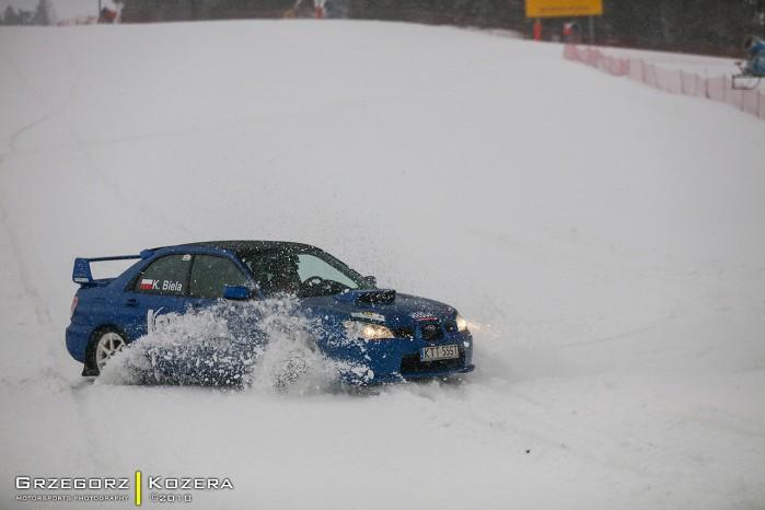Subaru Impreza WRX na sniegu