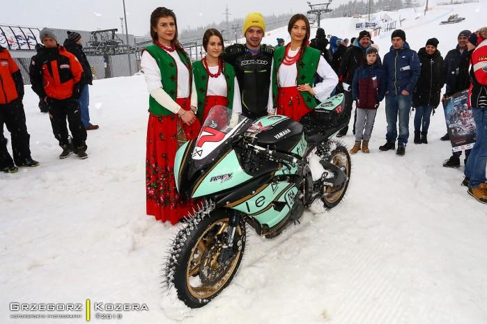 Yamaha R6 zima goralki