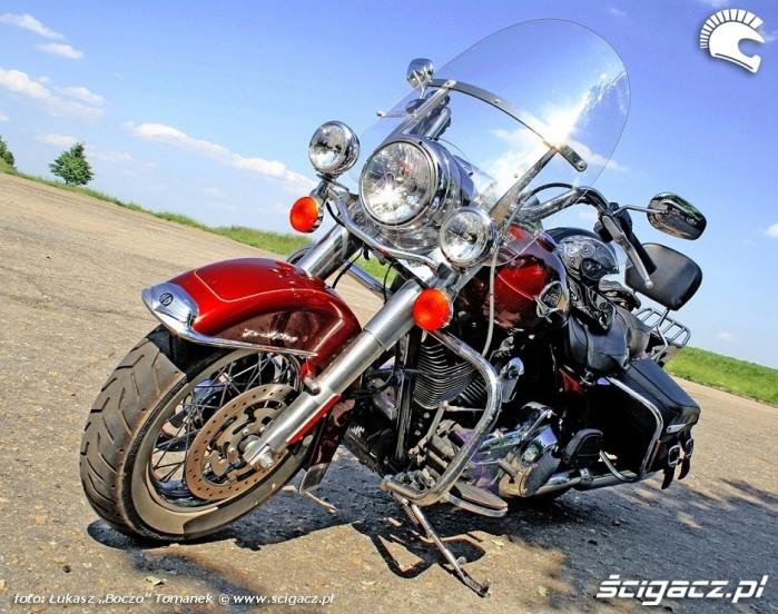 Harley Davidson Road King od przodu