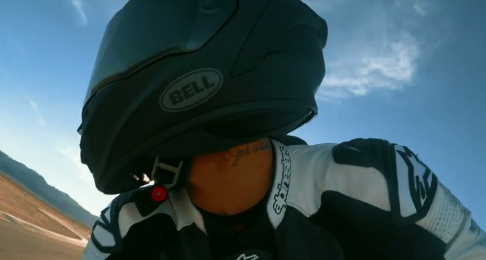 Lewis Hamilton na Kawasaki ZX 10R