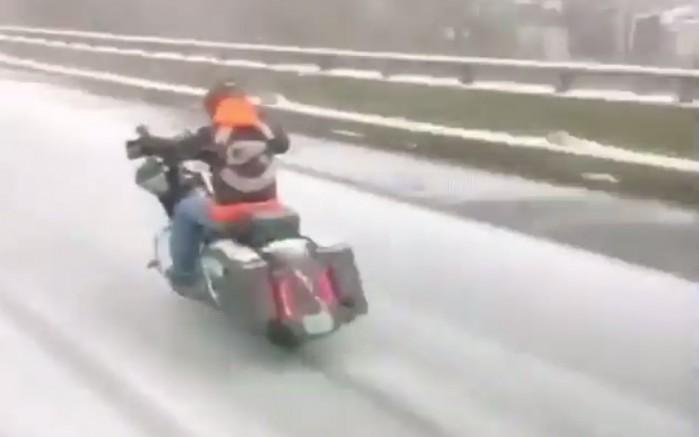motocyklem w zime