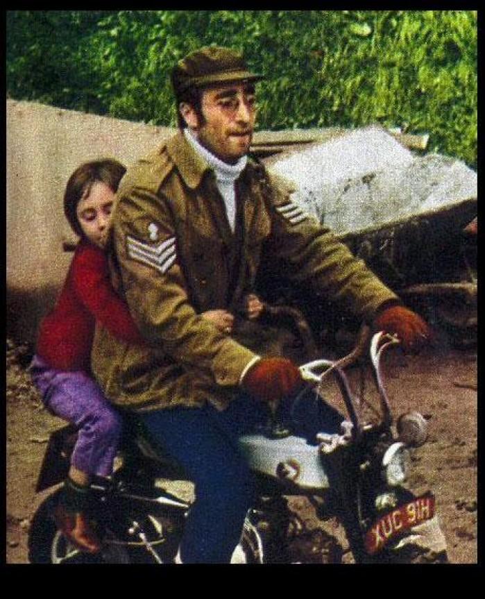 The Beatles Polska: Honda Monkey Johna Lennona sprzedana na aukcji za rekordową sumę!