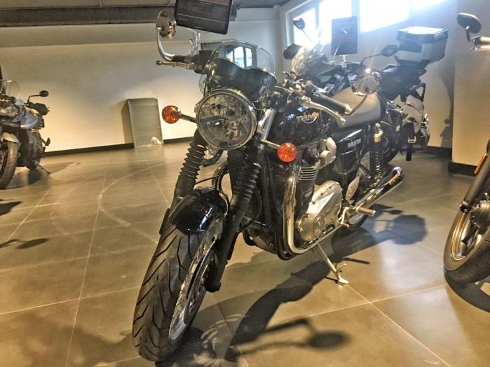 Triumph Thruxton 1200 3