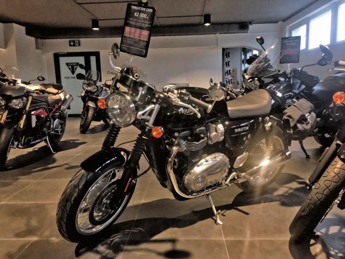 Triumph Thruxton 1200 4