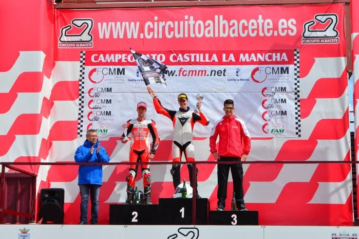 Piotr Biesiekirski na podium Albacete