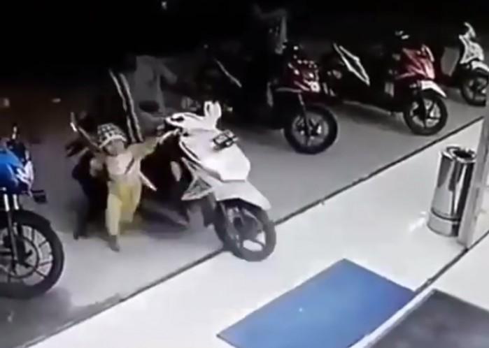 przegazowka skuter