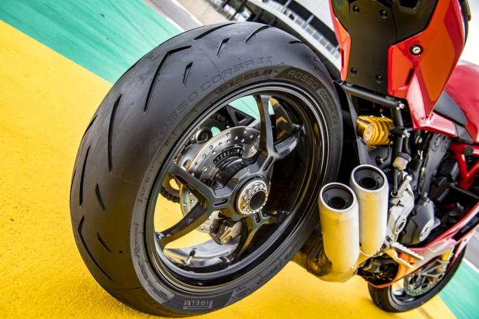 Pirelli Diablo Rosso Corsa II 4