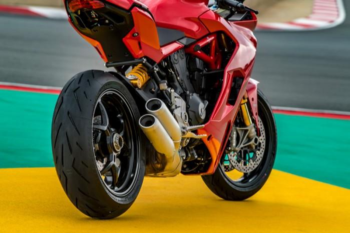 Pirelli Diablo Rosso Corsa II 10