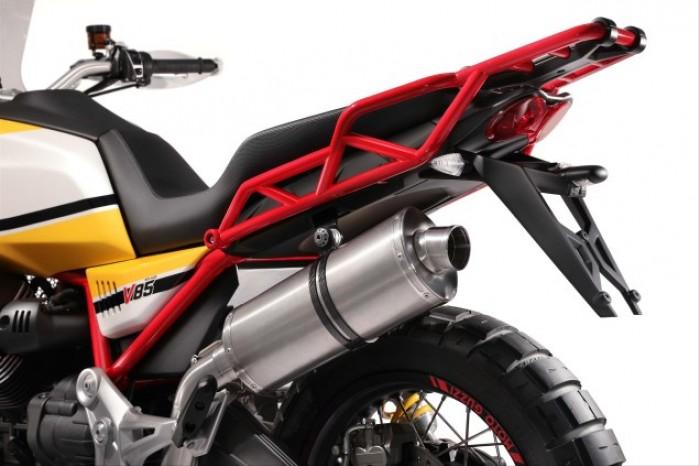 Moto Guzzi V85 03