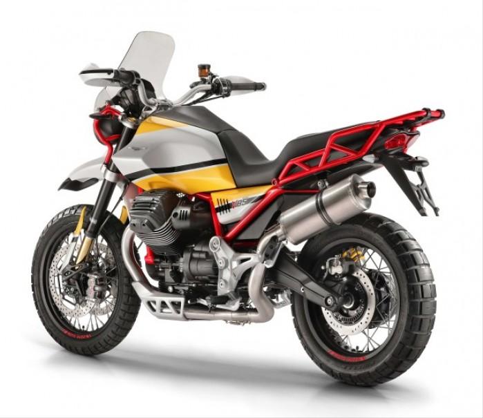 Moto Guzzi V85 07