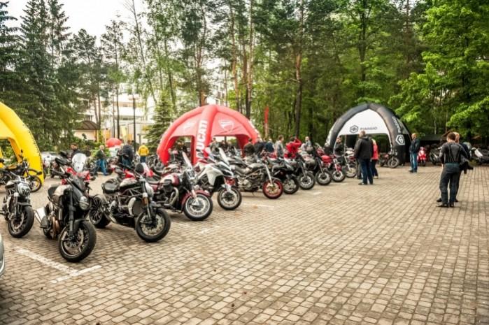 Wiosna z Ducati 2018 parking