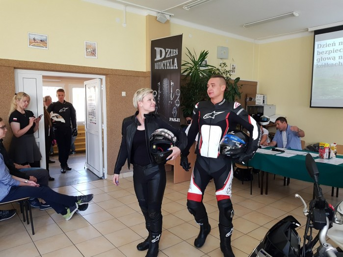 Konkurs motocyklowy dla mlodziz zy w Zdunskiej Woli 01