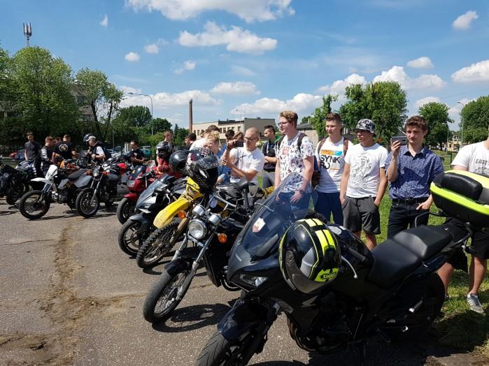 Konkurs motocyklowy dla mlodziz zy w Zdunskiej Woli 07
