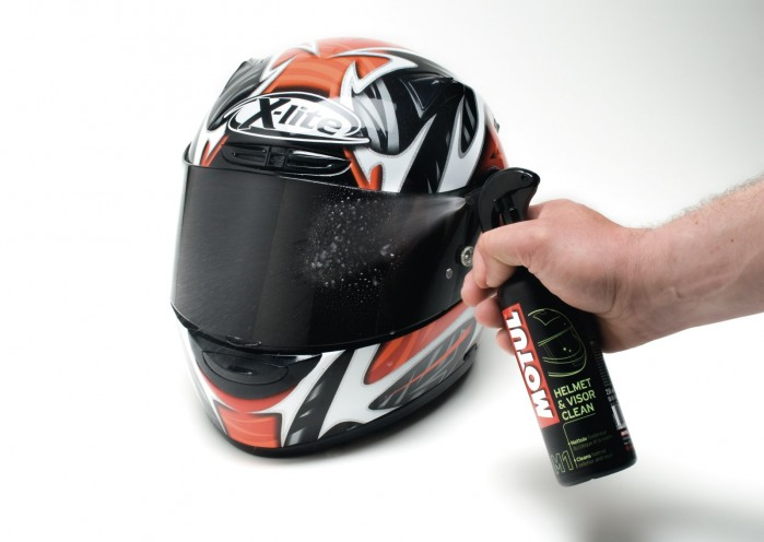 Motul Helmet and visior clean