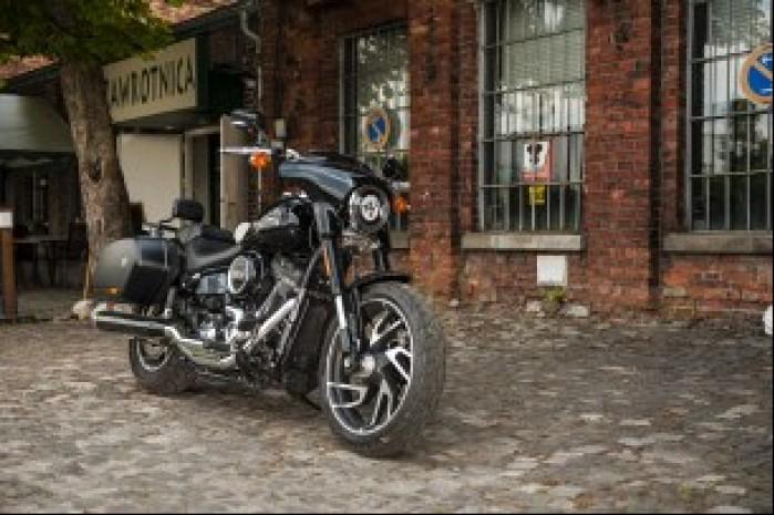Harley Davidson Sport Glide 02