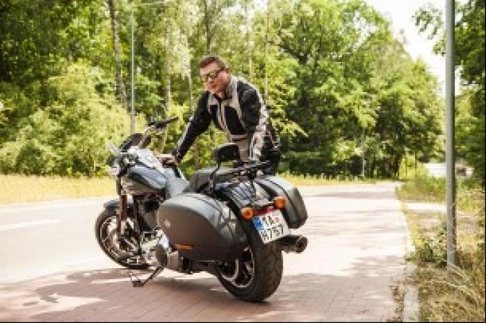 Harley Davidson Sport Glide 10