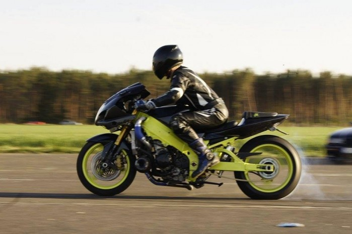 Adam Gutkowski Suzuki GSX R 1000 K4 Turbo 4