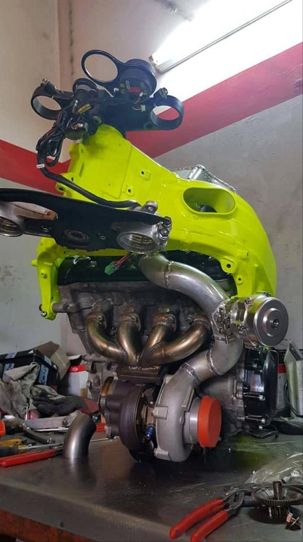 Suzuki GSX R 1000 K4 Turbo 1
