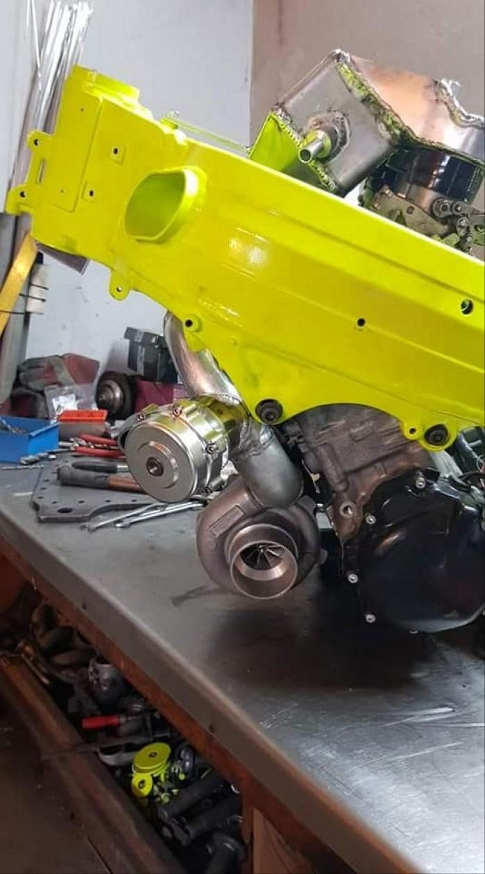 Suzuki GSX R 1000 K4 Turbo 2