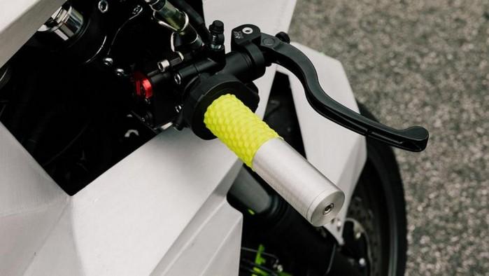 Yamaha XSR 700 Outrun 3