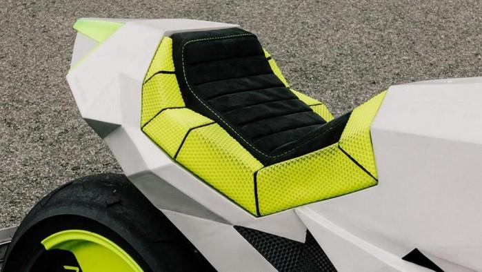 Yamaha XSR 700 Outrun 6