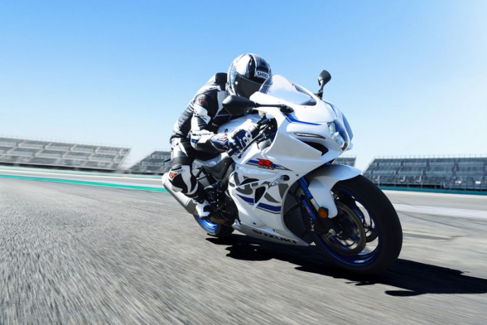 GSX R1000RAL8 action 13