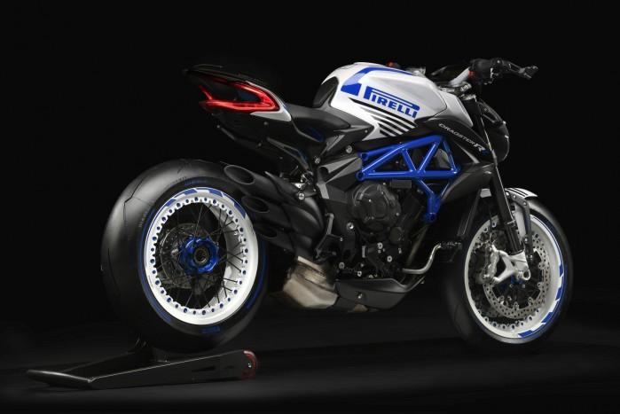 dragster 800 rr pirelli