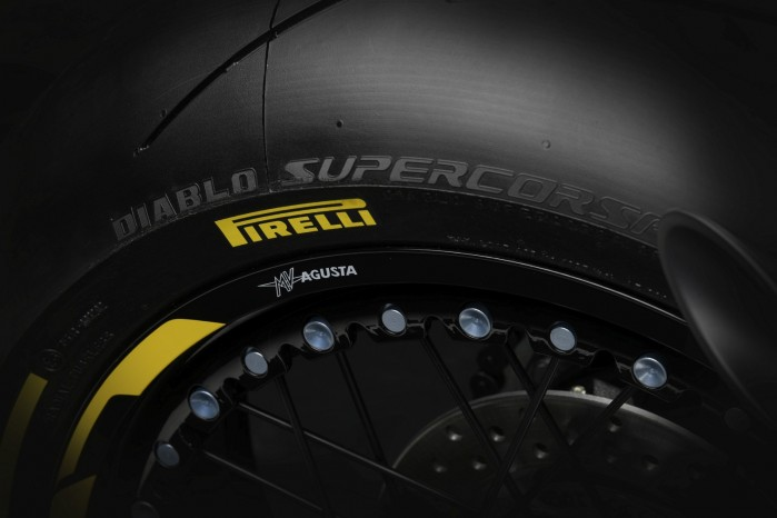 dragster 800 rr pirelli 10