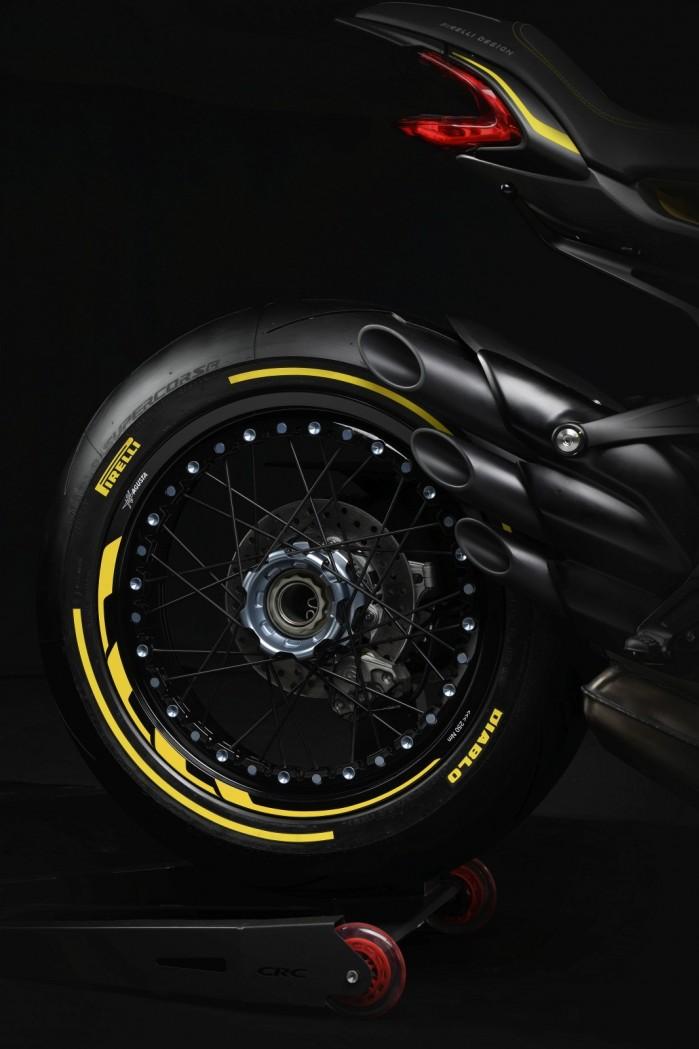dragster 800 rr pirelli 8