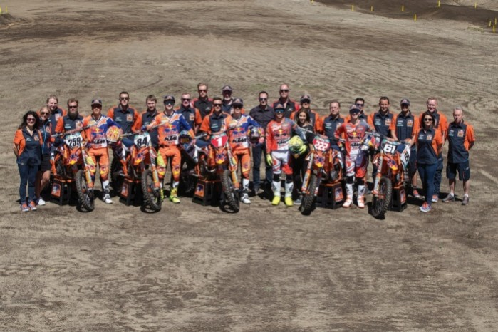 Red Bull KTM Motocross Factory Racing Team 04