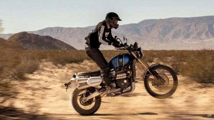 Triumph Scrambler 1200 XE wheelie