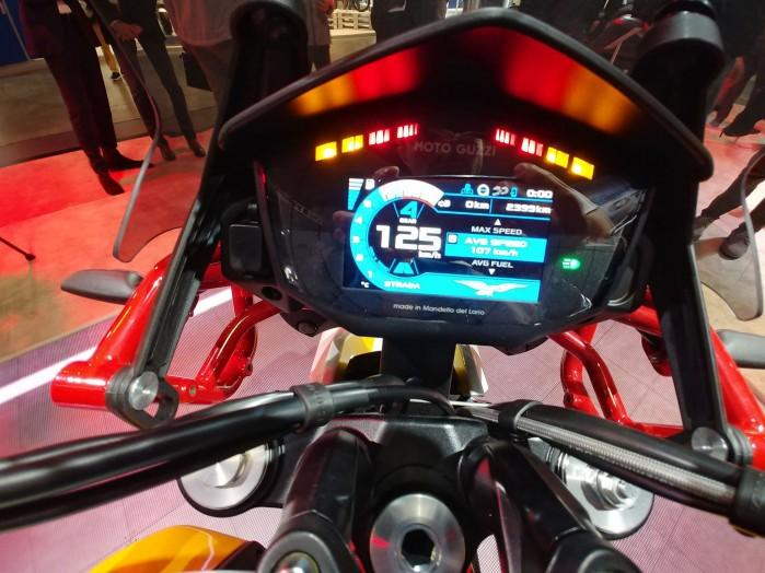 2019 Moto Guzzi V85 TT 3