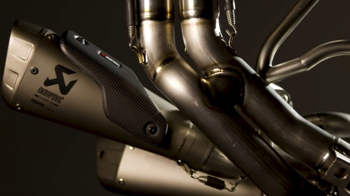 Racing exhaust system for Panigale V4 by Akrapovic