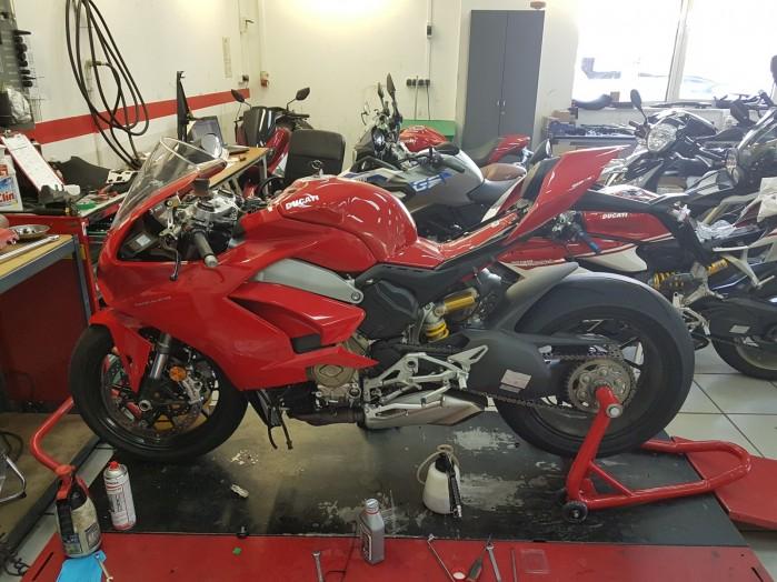 motocykle w serwisie