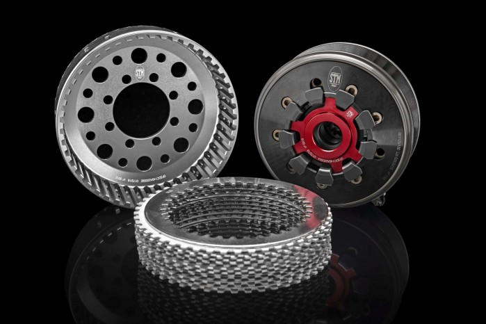 Ducati Panigale V4 R STM dry clutch 02