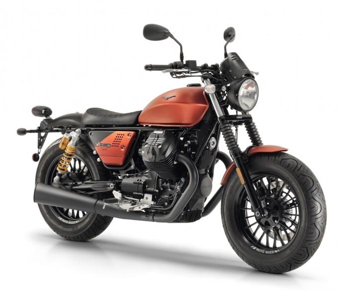 Moto Guzzi V9 Bobber sport 1